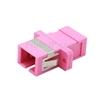SC/UPC-SC/UPC 10G シンプレックス マルチモード プラスチック製光ファイバアダプター/嵌合スリーブ(OM4、フランジ付き、すみれ色)の画像